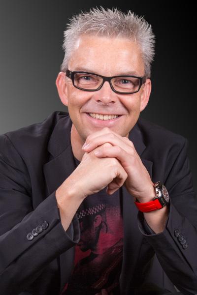 Dr. Stefan Pastuszka